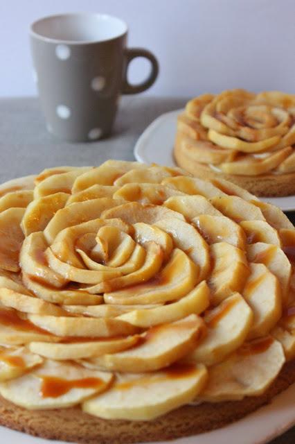 Tarte sur sablé breton à la pomme et au caramel