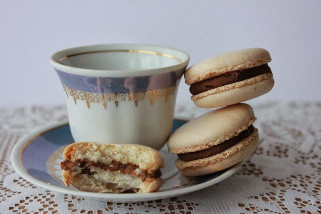 Macarons coques blanches