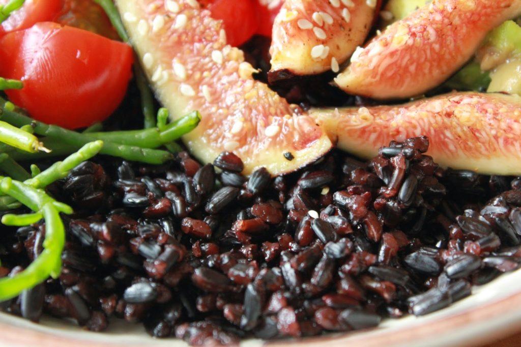 Riz noir avec des figues