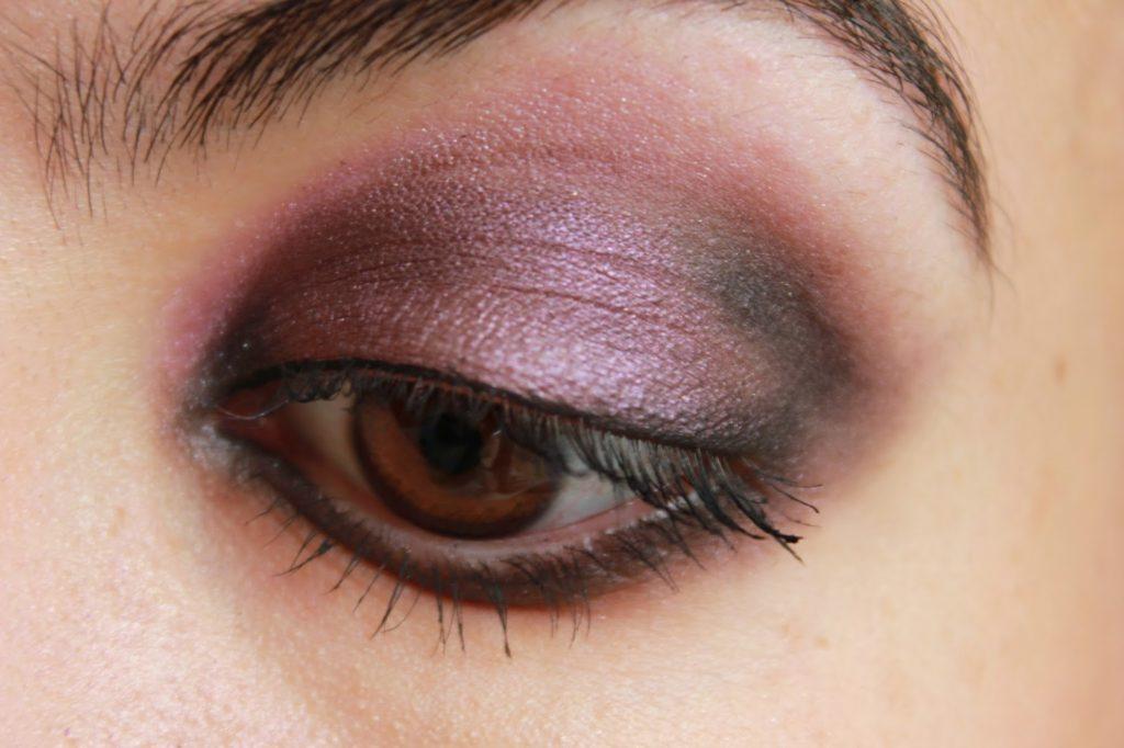 smokey eye violet