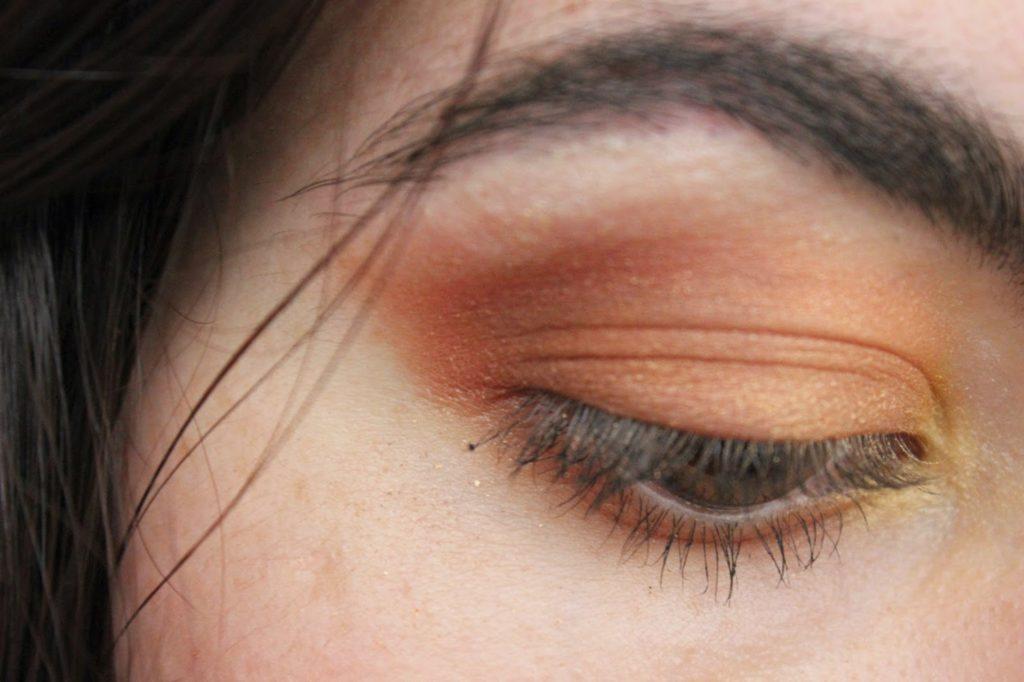 maquillage des yeux orangés