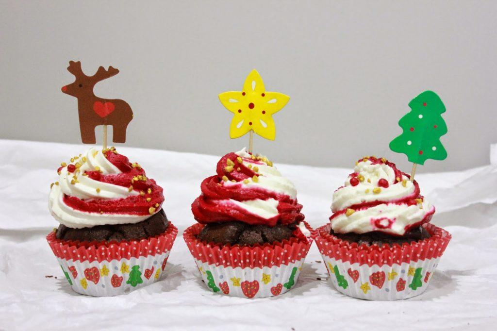 Cupcakes De Noël Du Chocolat De La Chantilly Et Une