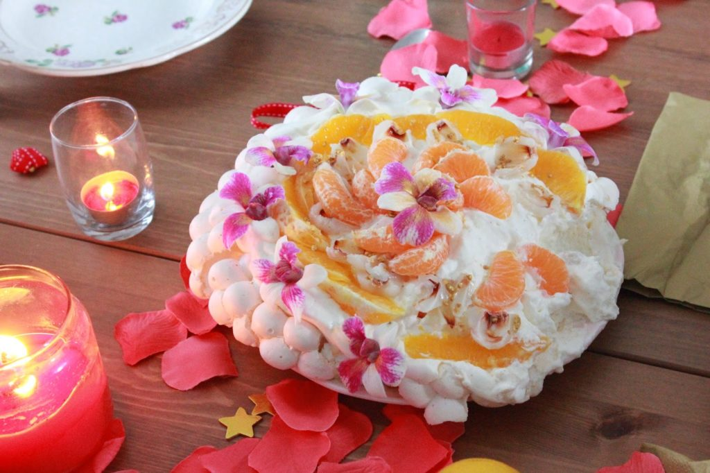 Pavlova garnie de fruits