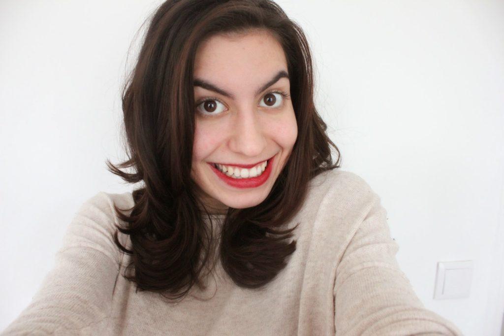 coupe de cheveux réussie chez le coiffeur