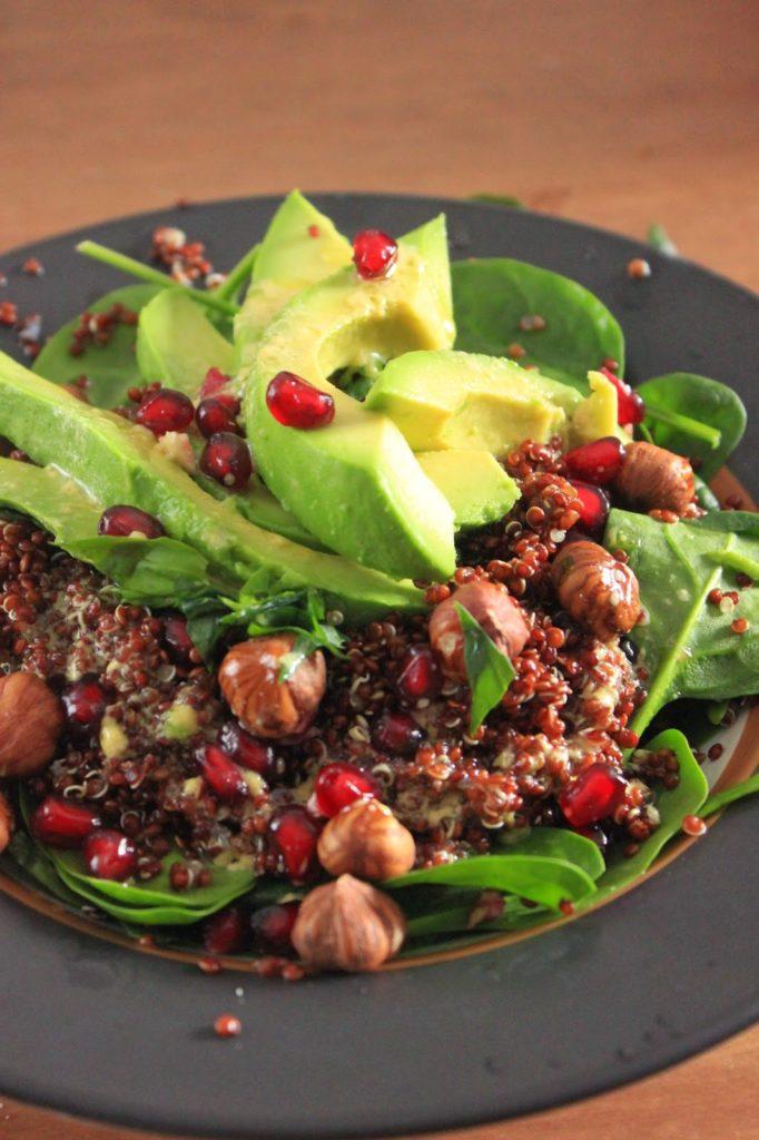 Salade quinoa rouge et avocat