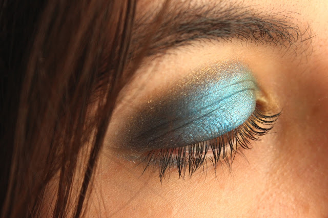 maquillage couleurs du paon
