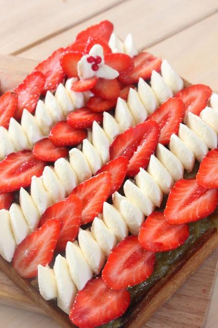 Recette de tarte aux fraises et à la rhubarbe