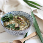 Nouilles au bouillon et aux shitakees