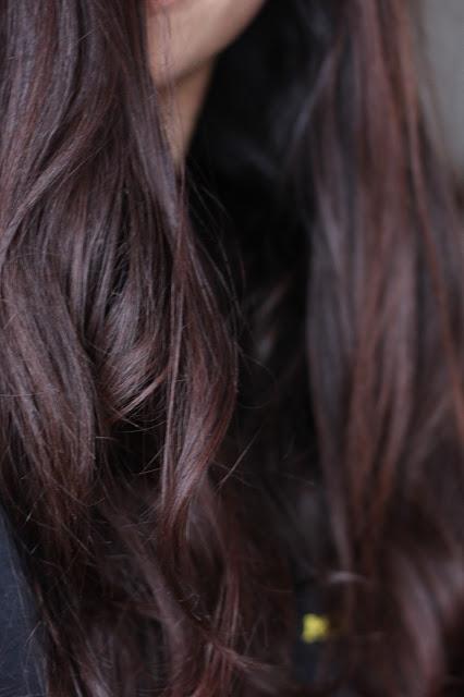 Cheveux traités au henné