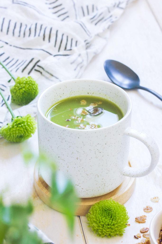 Soupe aux asperges vertes