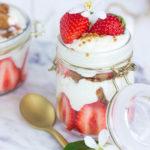 Tiramisu aux fraises et au spéculoos vegan