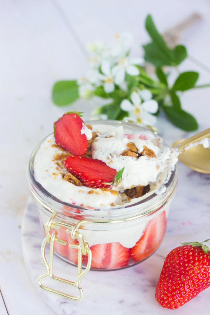 Tiramisu sans mascarpone aux fraises
