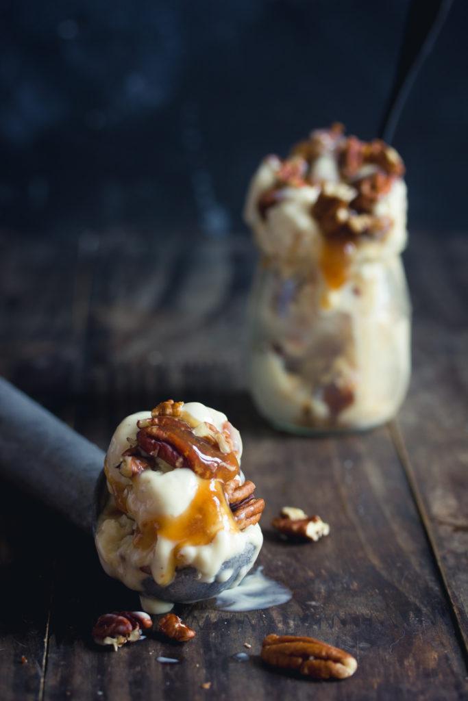 glace à la vanille et aux noix de pécan vegan