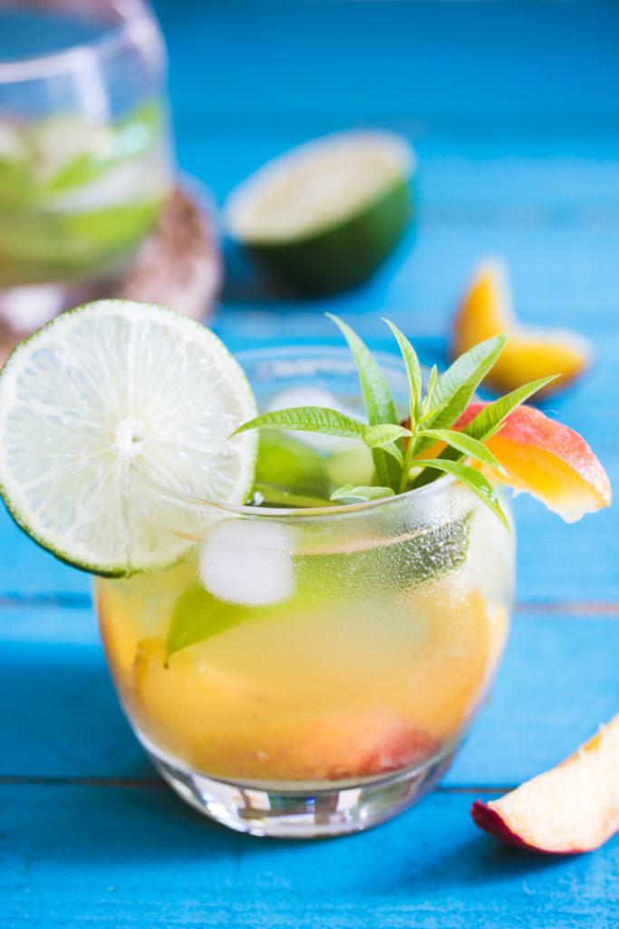Cocktail sans alcool aux fruits