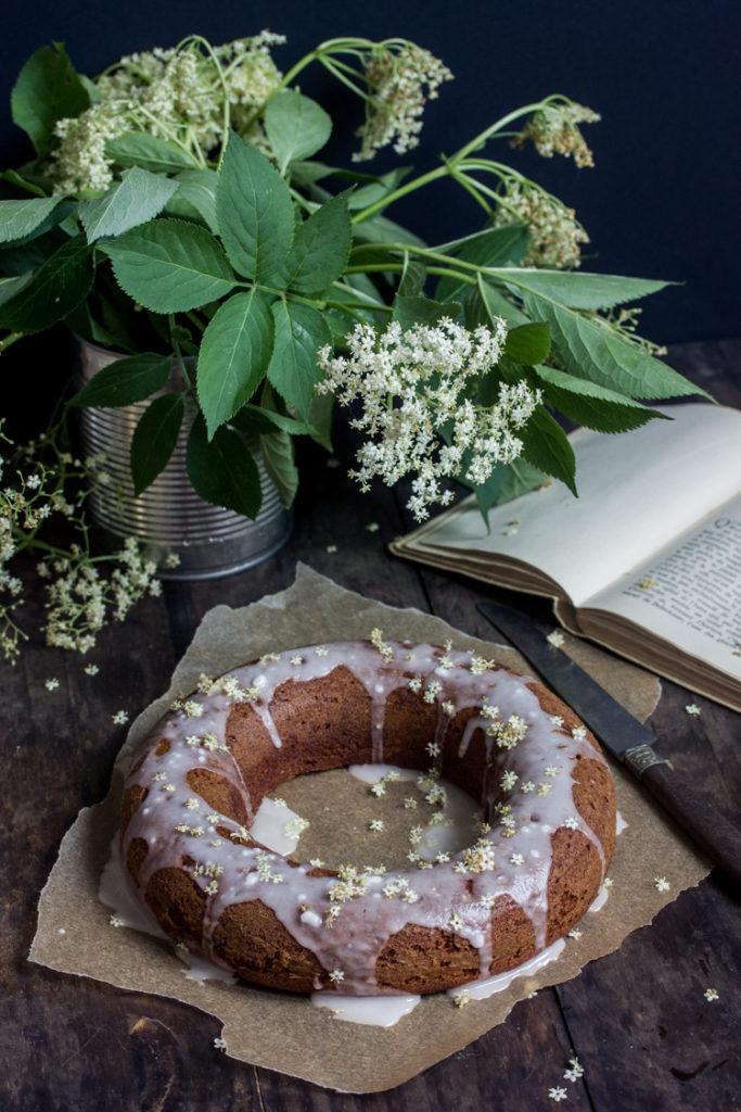 Gâteau moelleux aux épices et à l'orange végétalien