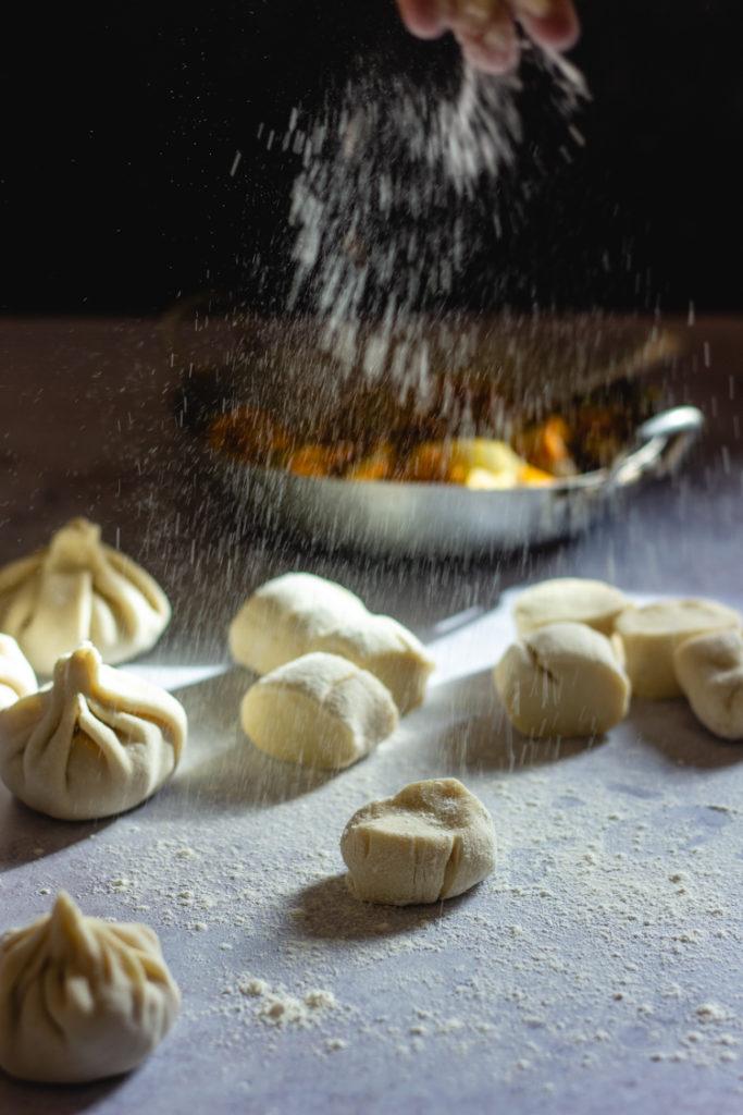 Préparation de la pâte à dumplings
