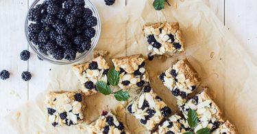 Gâteau aux amandes et aux mûres
