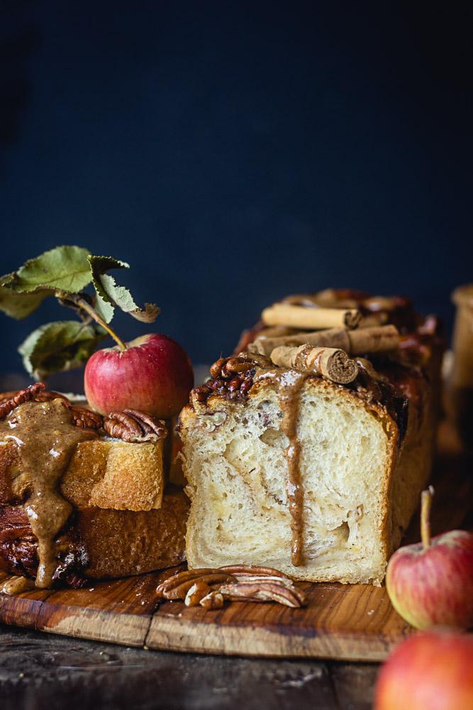 Brioche à la cannelle et aux pommes