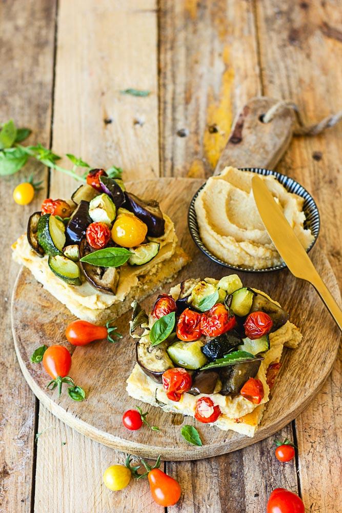 Recette de tartine complète aux légumes rôtis