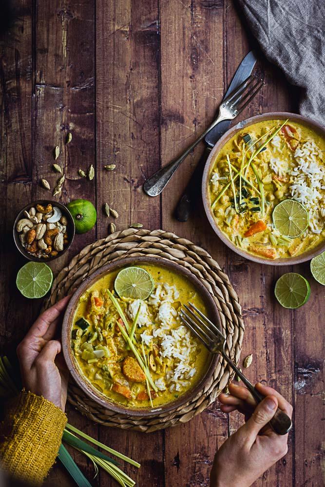Curry de poireau, carottes et oignons