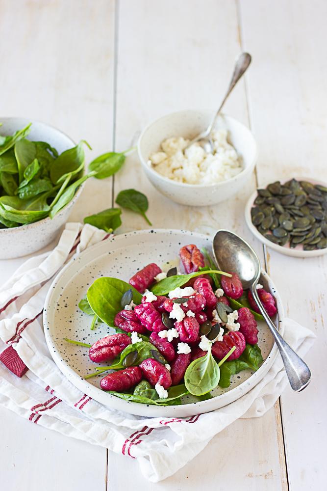 Gnocchi de haricots blancs à la betterave
