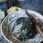 Fromage de sésame noir