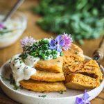 Pancakes salés vegan à la carotte