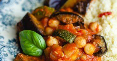 Recette de légumes d'été à la tomate