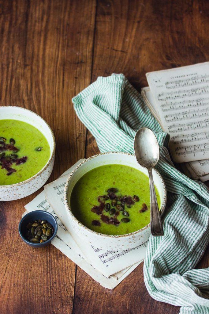 Soupe au poireau et à l'algue nori